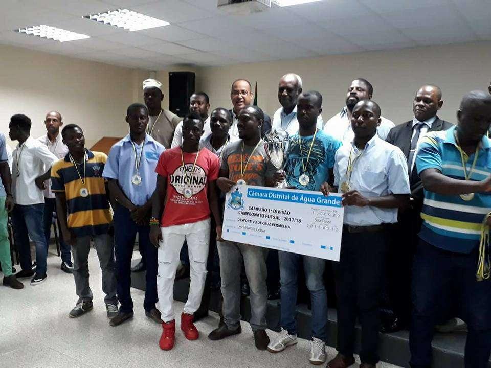 Câmara Distrital de Agua-Grande homenageia os melhores do futsal-2017 2018 3c98b67fca075